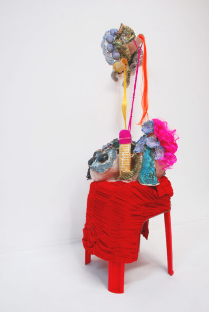 Dolly 2020 – stoneware, glaze, textile, plastic, acryl, hair – 151x65x67cm